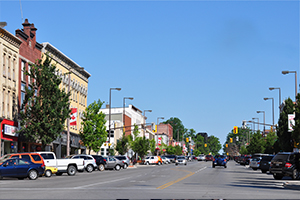 downtown Tillsonburg showing wide Broadway